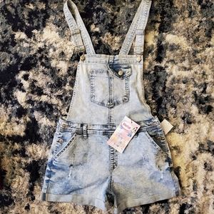 Almost Famous Bibs